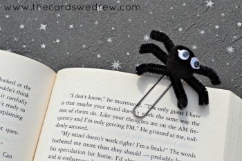 paperclip-spider-bookmark