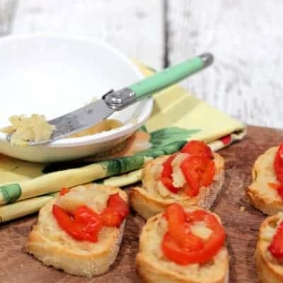 Roasted Garlic and Red Pepper Bruschetta