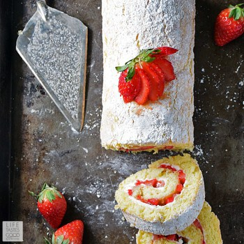 strawberry-jelly-roll-cake-recipe-113x600